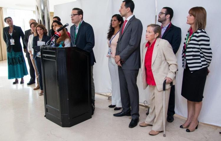 "ONGs catalogan diálogo en la Cumbre como una ""farsa"""