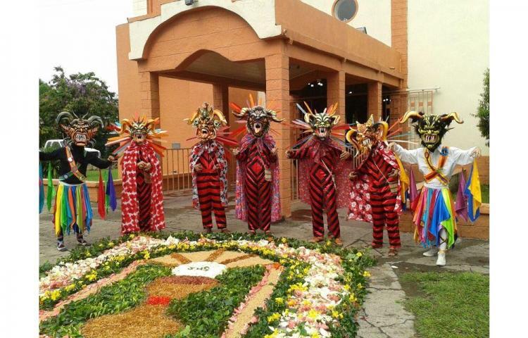 Celebran Corpus Christi en Alanje