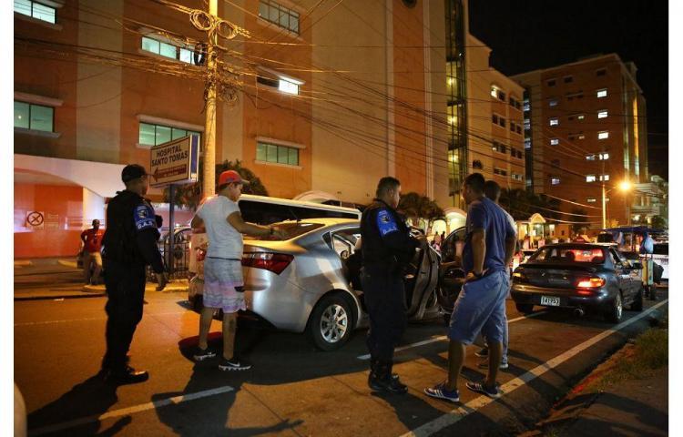 Sale de Punta Coco, pero con 15 policías