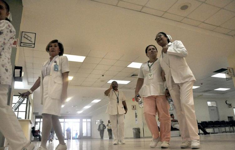Por negligencia detienen a ginecóloga y a enfermera en la India