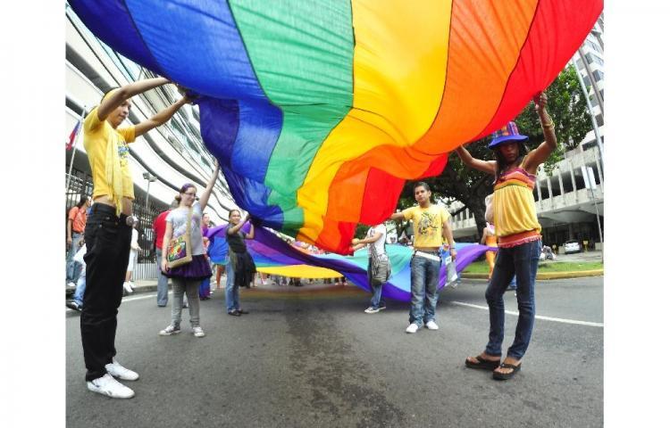 Dos transexuales de Chile exigen a Registro Civil cambio legal de sexo