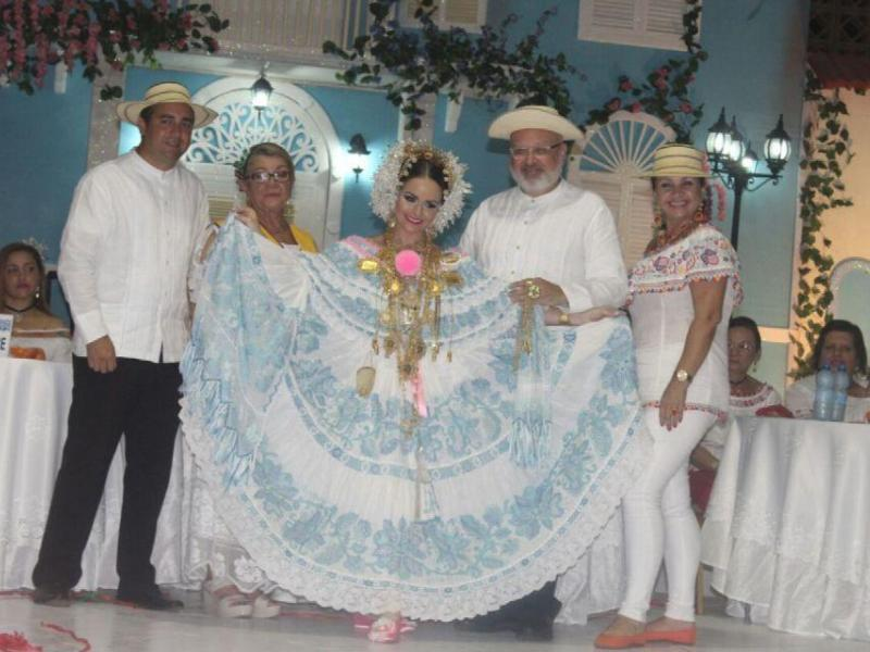 Festival de la pollera un concurso de reinas el siglo for Concurso para profesores 2016