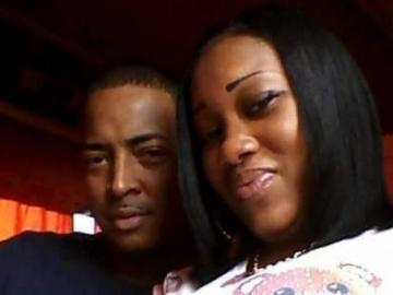Apuñala al marido, se arreglan en horas y celebran con 'selfie'