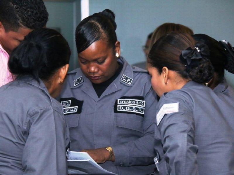 Ley de carrera penitenciaria pasa a segundo debate el siglo for Ley penitenciaria