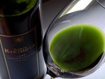 Botella de vino mezclado con marihuana se vende en $400