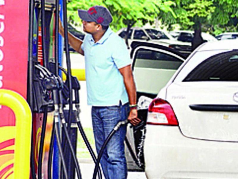 El peso específico la gasolina y 80 en