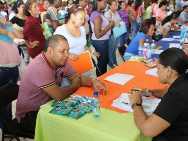 Feria de empleo para docentes del sector privado el siglo for Vacantes para profesores