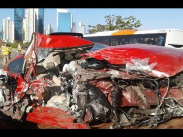 Se salió por la ventana del auto en accidente del Corredor Sur
