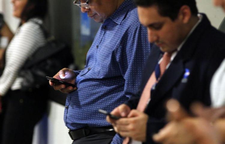 Según cifras, en Panamá hay más celulares que población