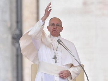 Papa viajará al santuario de Fátima