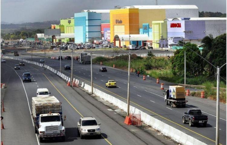 Sobrecosto en la autopista Arraiján - La Chorrera empieza a pasar facturas