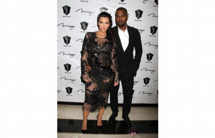 Kim Kardashian espera a su tercer hijo