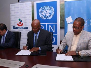 Banesco y el INAC firman acuerdo