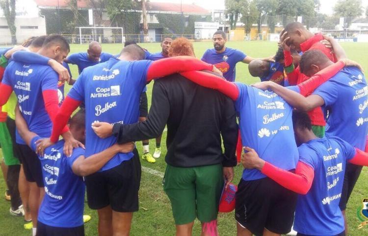 La selección nacional culmina entrenamientos en México, mañana regresa al país