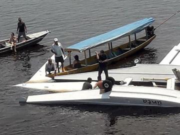 Cae avión de Greenpeace
