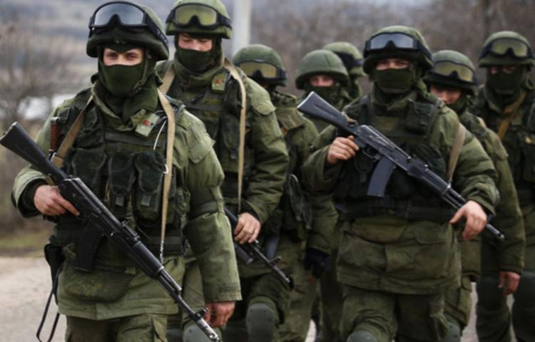 Rusia reduce presión militar