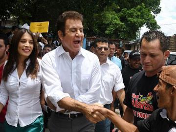 """La oposición condena que EE.UU. desconozca el """"descarado fraude"""" en Honduras"""