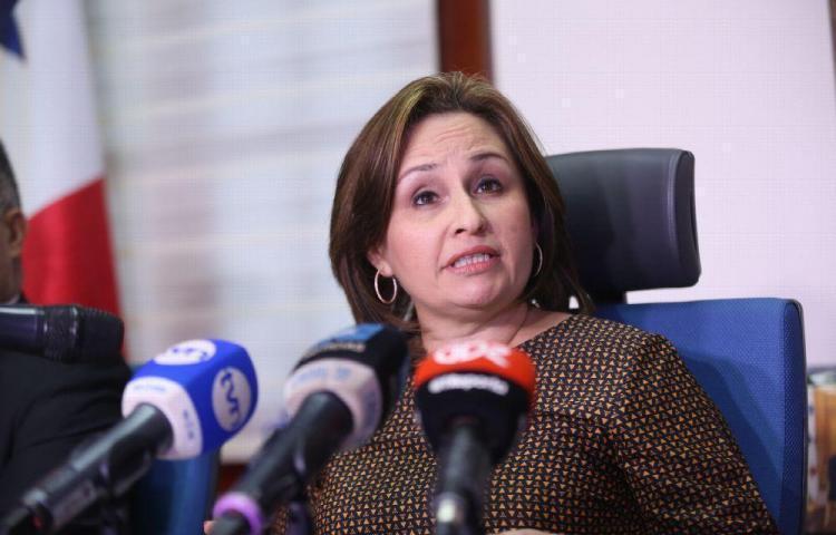 MP investiga expedientes encontrados en carretera hacia Arraiján