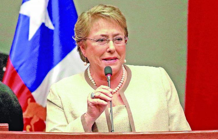Bachelet finaliza su Gobierno con 47% de aprobación