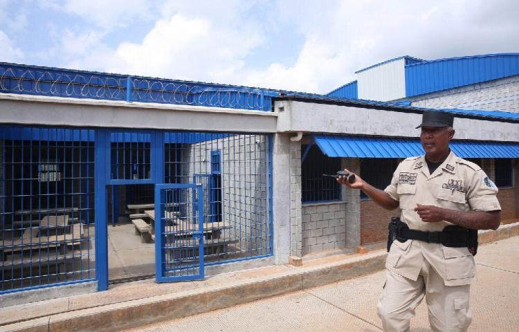 329 funcionarios penitenciarios se especializan en antidrogas