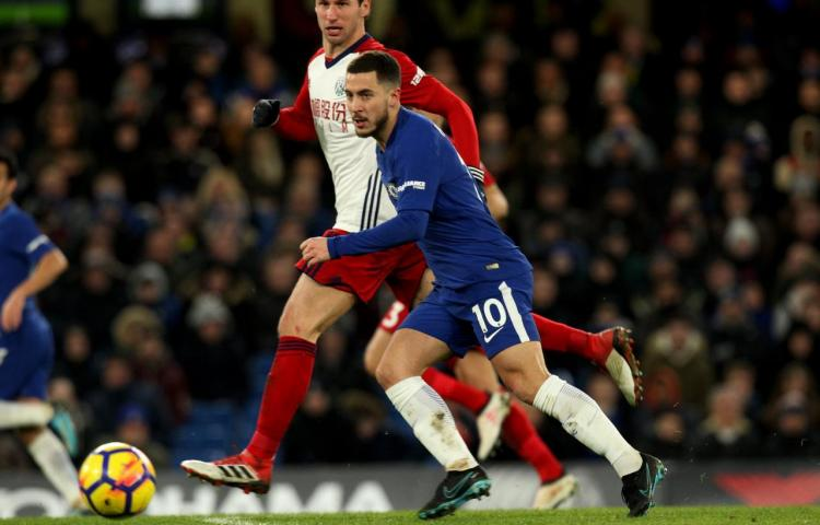 Hazard conduce al Chelsea a una balsámica victoria