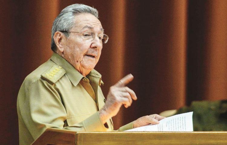 Raúl Castro encabeza 'lista negra' de crímenes