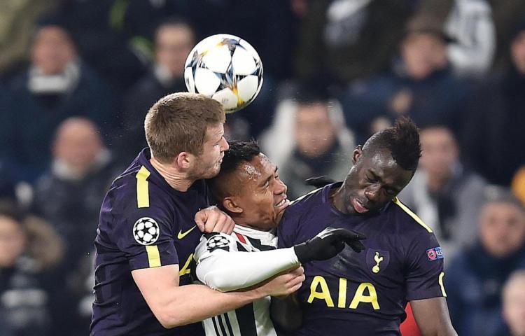 El Tottenham iguala un doblete de Higuaín