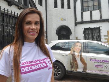 Tatiana, una de la dos candidatas transgénero en las legislativas de Colombia