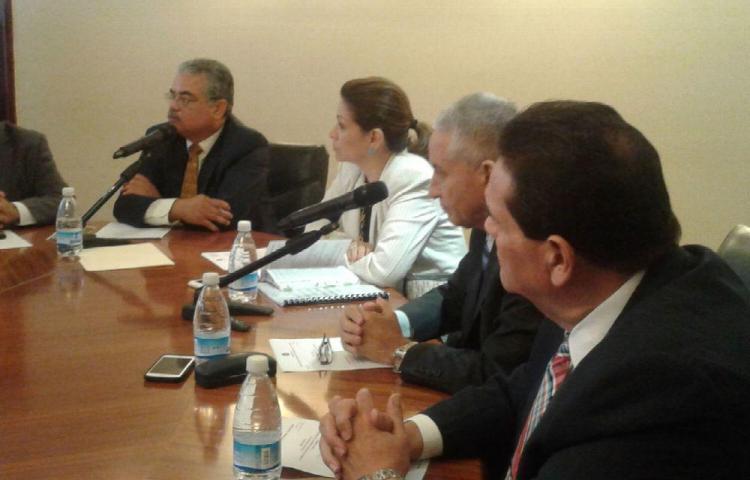 Analizarán cambios al reglamento interno
