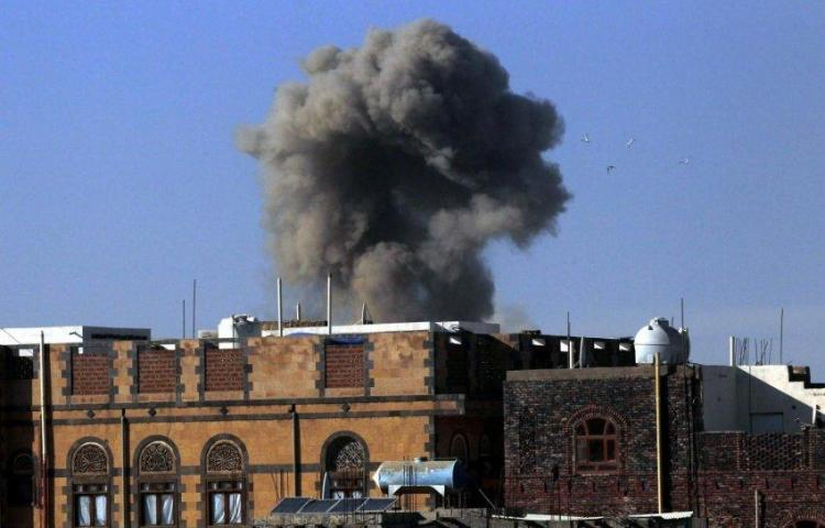 Arabia Saudí intercepta un misil dirigido a su capital Riad