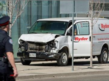 Imputan 10 cargos de asesinato premeditado al autor del atropello en Toronto