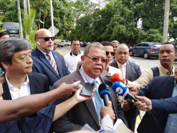 Abogados presentan ante la Corte una denuncia contra el contralor Humbert