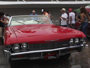 """El sonar de motores de autos """"retro"""" llenan de nostalgia las calles panameñas"""