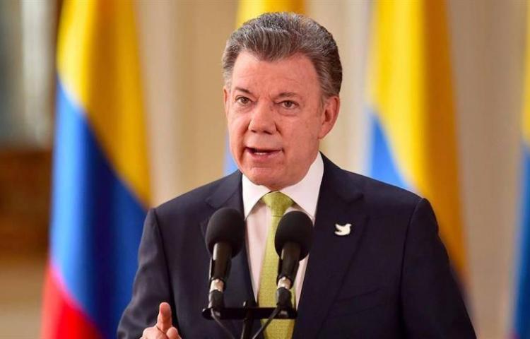 Santos le pide a Trump que hable con Putin para que deje de apoyar a Maduro
