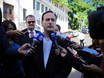 Francolini declina a sus aspiraciones políticas