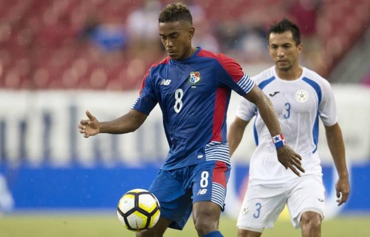 El Real Oviedo ficha al mundialista panameño Édgar Bárcenas