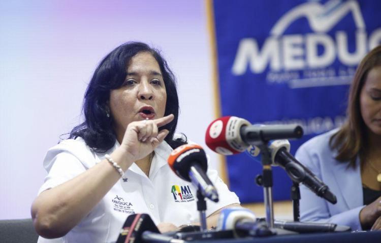 'Marcela dejará a la deriva barco del Ministerio de Educación'