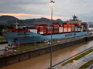 Los portacontenedores lideran tránsitos por ampliación de Canal