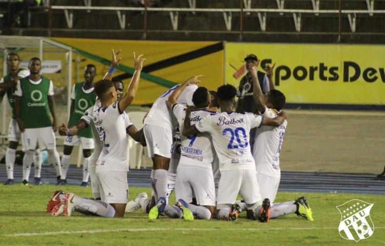 Árabe y Tauro se unen con la 'U' en los cuartos de final de la Liga Concacaf