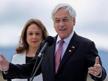 Piñera felicita a la expresidenta Bachelet