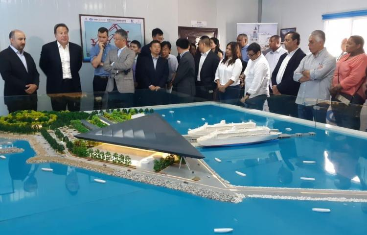 Pdte. Varela supervisa avance de la construcción de la terminal de cruceros