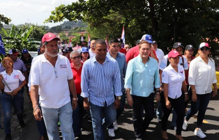 Cortizo busca los votos en San Miguelito