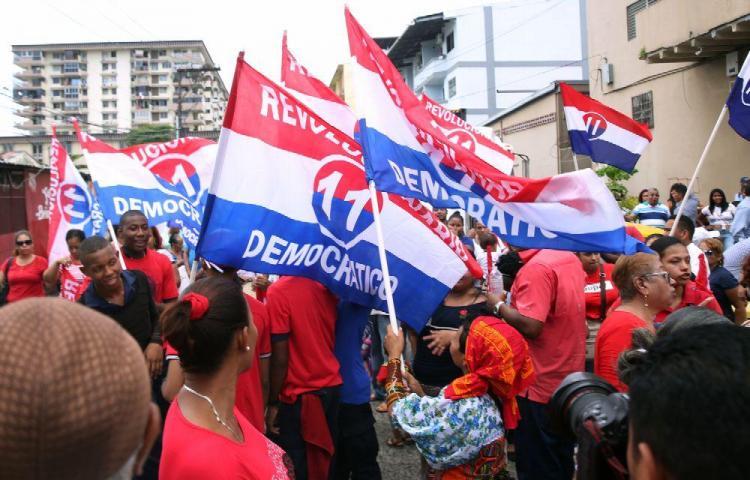 Candidatos PRD dicen que no se 'bajarán'