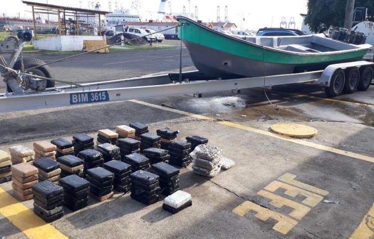Incautan 139 paquetes de presunta droga en Veracruz