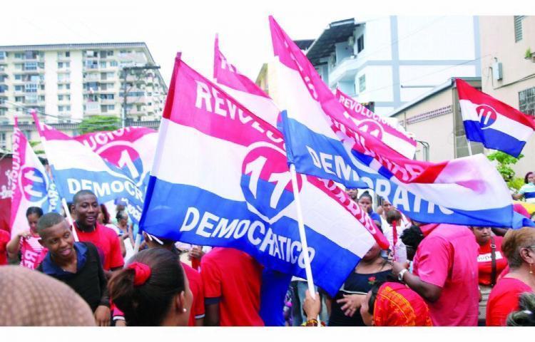 Medio millón de afiliados votarán en las primarias del PRD