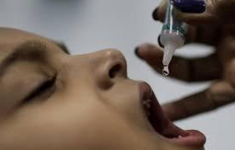 Combaten el sarampión con vacunación