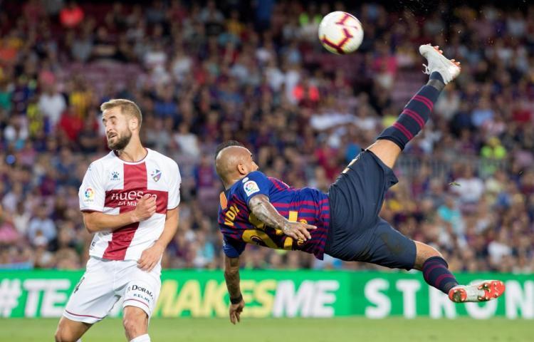 El Barça se da un festín para acceder al liderato