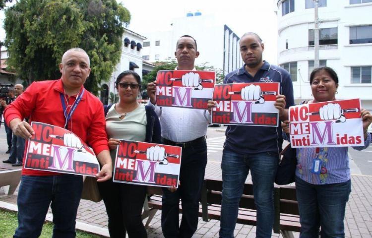 'Las demandas no nos intimidan', periodistas