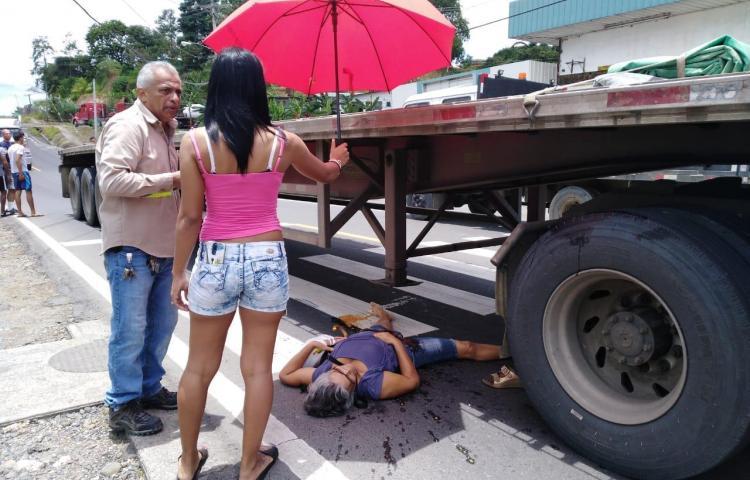 Conductor de un camión atropella a adulta mayor en La Cabima