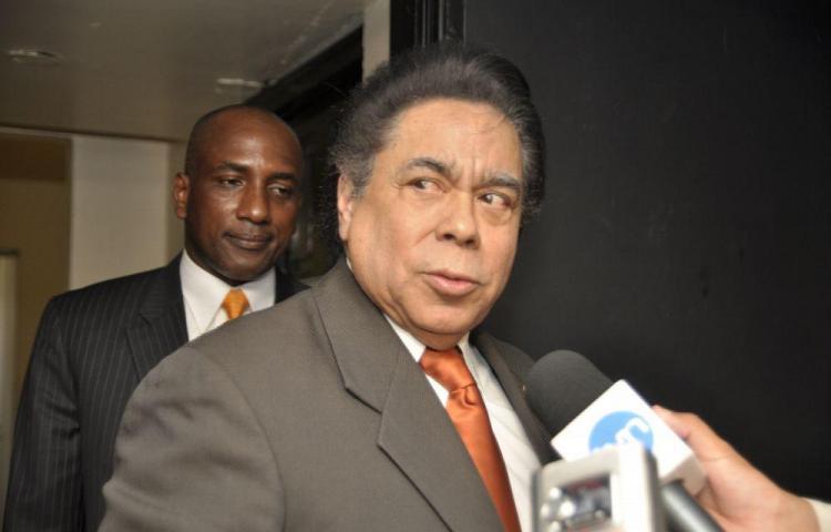 Suman ocho legisladores denunciados por Humbert
